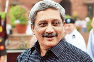 Day after return from US, Goa CM Parrikar resumes official work