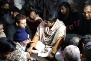 Manoj Tiwari meets family of honour killing victim in Delhi