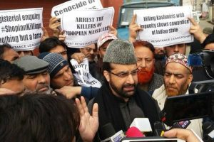 Separatist leader Mirwaiz detained for defying house arrest