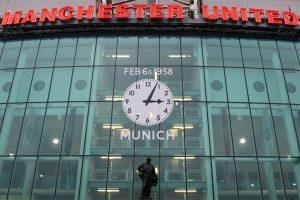 Manchester United mark 60 years since Munich crash