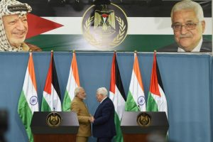 Abbas seeks India's role in peace process as PM Modi visits