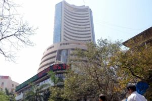 Sensex goes down by 800 points, a day after LTCG tax returned