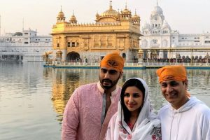 Namastey England diaries: Arjun, Parineeti seek blessings at Golden Temple
