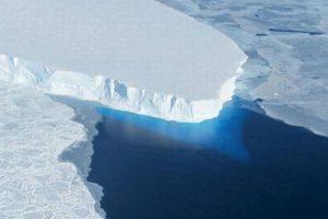 "Scientists to start ""urgent mission"" to investigate mysterious underwater world"