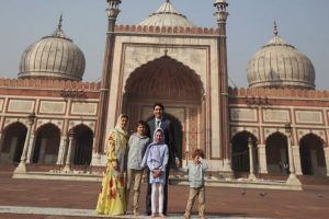 Canadian PM Justin Trudeau visits Jama Masjid with family