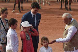 PM Modi welcomes Trudeau at Rashtrapati Bhavan