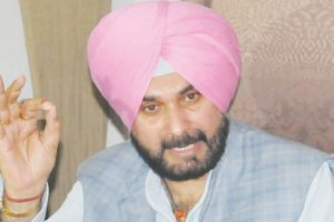 Gas supply through pipeline in Punjab, says Sidhu