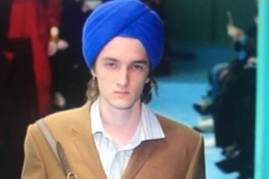 Twitter divided over Gucci models wearing turbans on ramp