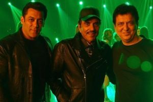 Salman Khan reunites with Dharmendra after 20 years for special song