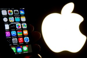 Apple cuts off Iran from App Store