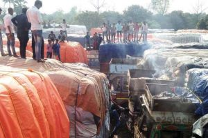Lorries torched in Malda border gang-fight