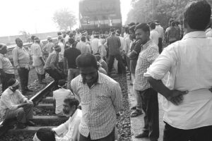 Farmers stage rail roko agitation in Jagatsinghpur