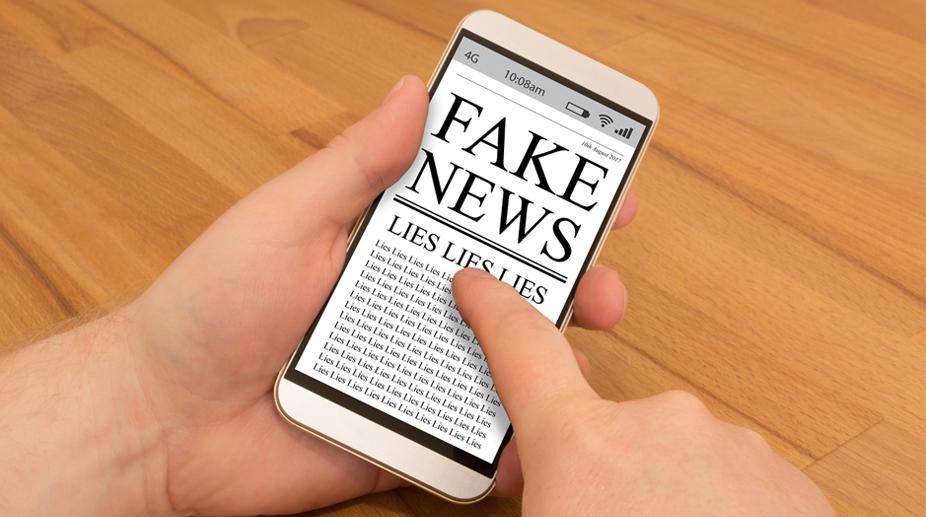journalism, Education, Gadgets, Smartphones, fake news