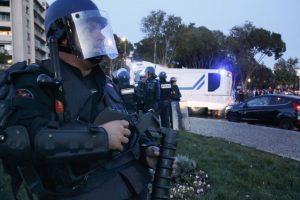 1 killed in France supermarket hostage situation