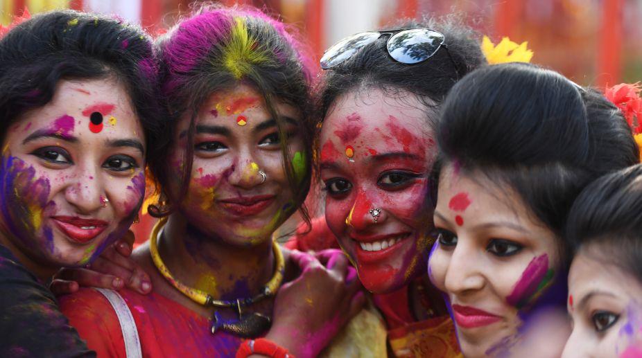 Holi 2018, Bengal Holi, Holi celebrations, Holi celebrations 2018
