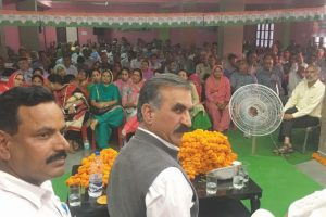 Sukhu questions BJP MPs on performance