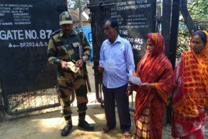 Gaps in Pak, Bangladesh borders to be plugged in 3-5 yrs: BSF DG