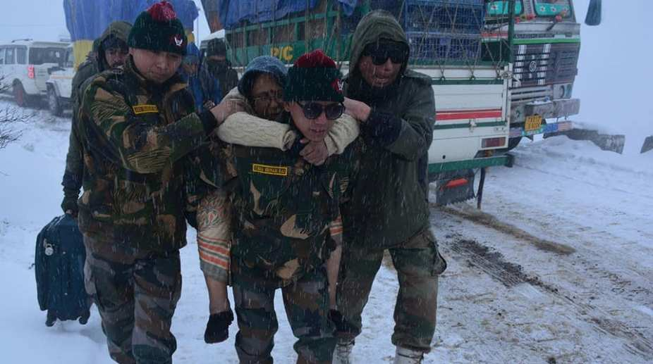 Indian Army rescues people at Sela Pass