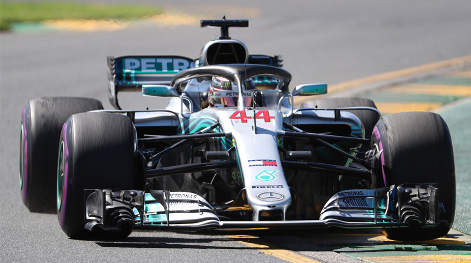 Hamilton takes pole for Australian GP