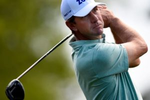 Ryder chases clubhouse leaders Glover, Tway at rain-hit Houston Open