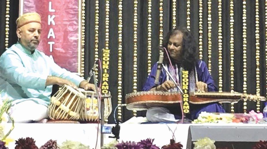 Debashis Bhattacharya (slide guitar) with Samir Chatterjee (tabla)