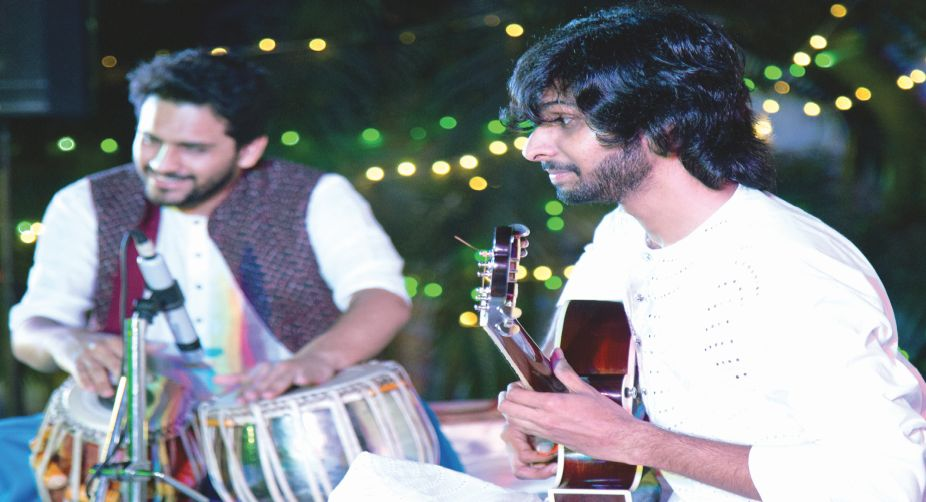 Shahnawaz Ahmed (Guitar) with Rohen Bose (Tabla)