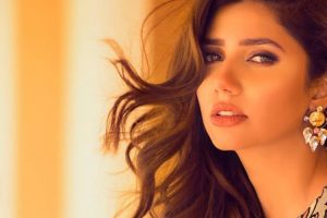 Twitterati stand by Mahira Khan as her smoking video surfaces