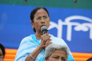Mamata Banerjee wishes Lalu Prasad on Tej Pratap's wedding, six-week bail