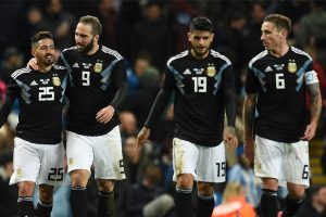 Lionel Messi isn't missed as Argentina down Italy