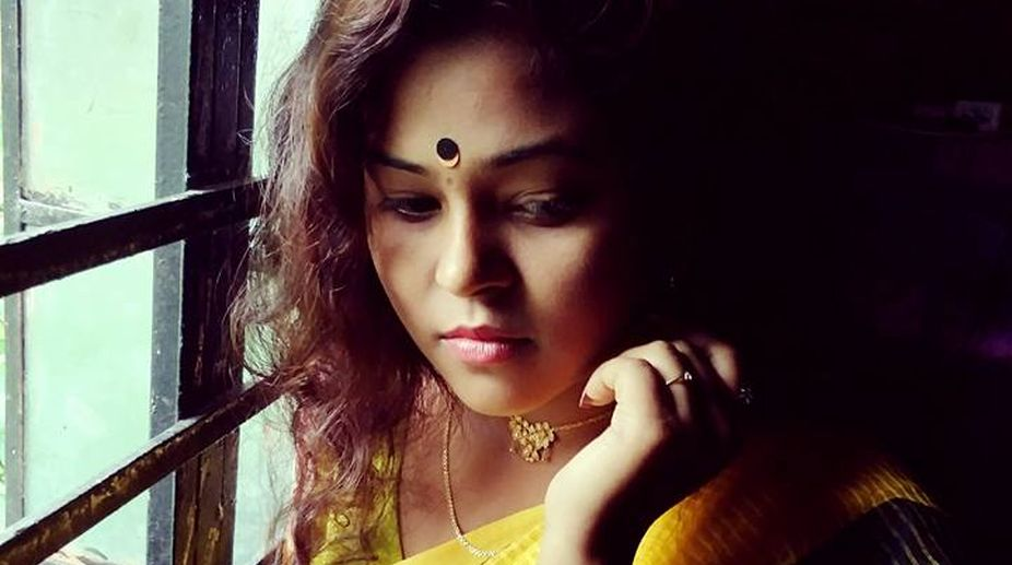 Bengali actress Moumita Saha found hanging from ceiling fan in Kolkata