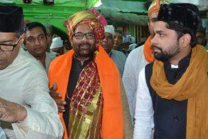 Naqvi offers 'chadar' at Ajmer shrine on Modi's behalf
