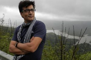 B-town celebs react to Narendra Jha's sudden death