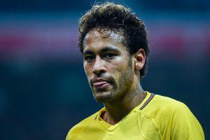 Crocked PSG star Neymar pays tribute to Stephen Hawking