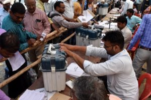 UP: Voting starts for Gorakhpur, Phulpur LS by-polls