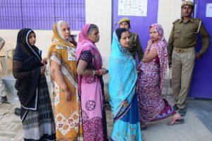 LS Bypolls: 43 pc turnout in Gorakhpur; 37.3 pc in Phulpur