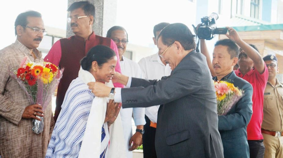 West Bengal chief minister Mamata Banerjee and Sikkim chief minister Pawan Chamling.