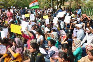 Govt agrees to CBI probe in SSC paper leak issue; Tharoor vouches for Jitendra Singh