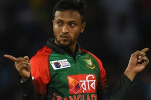 High voltage drama on ground: Here is how Shakib spoiled Bangladesh victory by calling off his players