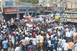 Traders' bandh brings biz activity to a halt