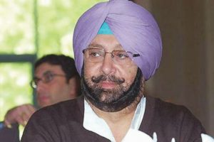 One paisa price cut on petrol, diesel a cruel joke: Amarinder