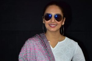Huma Qureshi disses airport looks trend