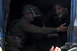 J-K Police detain Yasin Malik during march against Shopian firing