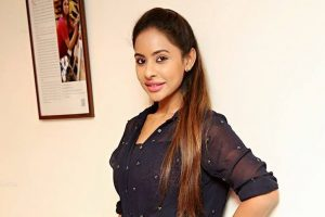 Sri Reddy continues to fight against sexual harassment in Tollywood