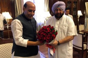 Capt Amarinder calls on Rajnath Singh, discusses law and order situation in Punjab