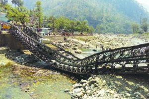 Key bridge connecting Gangotri collapses