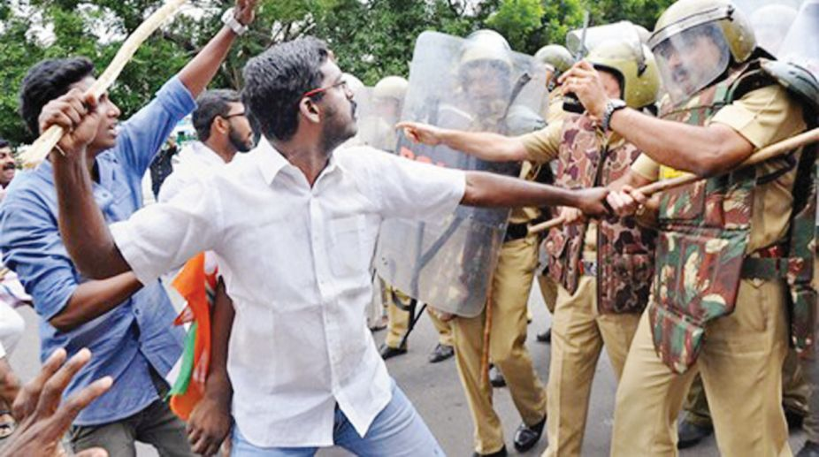 Thiruananthapuram: Youth Congress workers clash with the police during a protest in Thiruananthapuram on Tuesaday. (Photo: PTI)