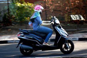 Varanasi students' smart helmet saves fuel
