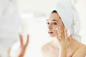 Clean your makeup in a natural way