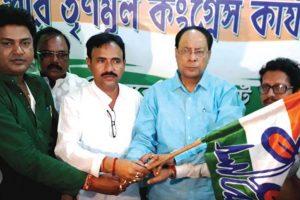 Gangarampur Cong Gautam Das MLA joins Trinamool Congress