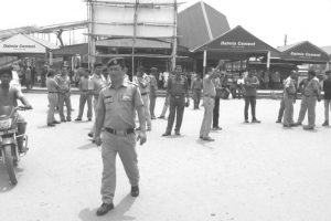 Many hurt as RPSF men, drivers clash at NJP station